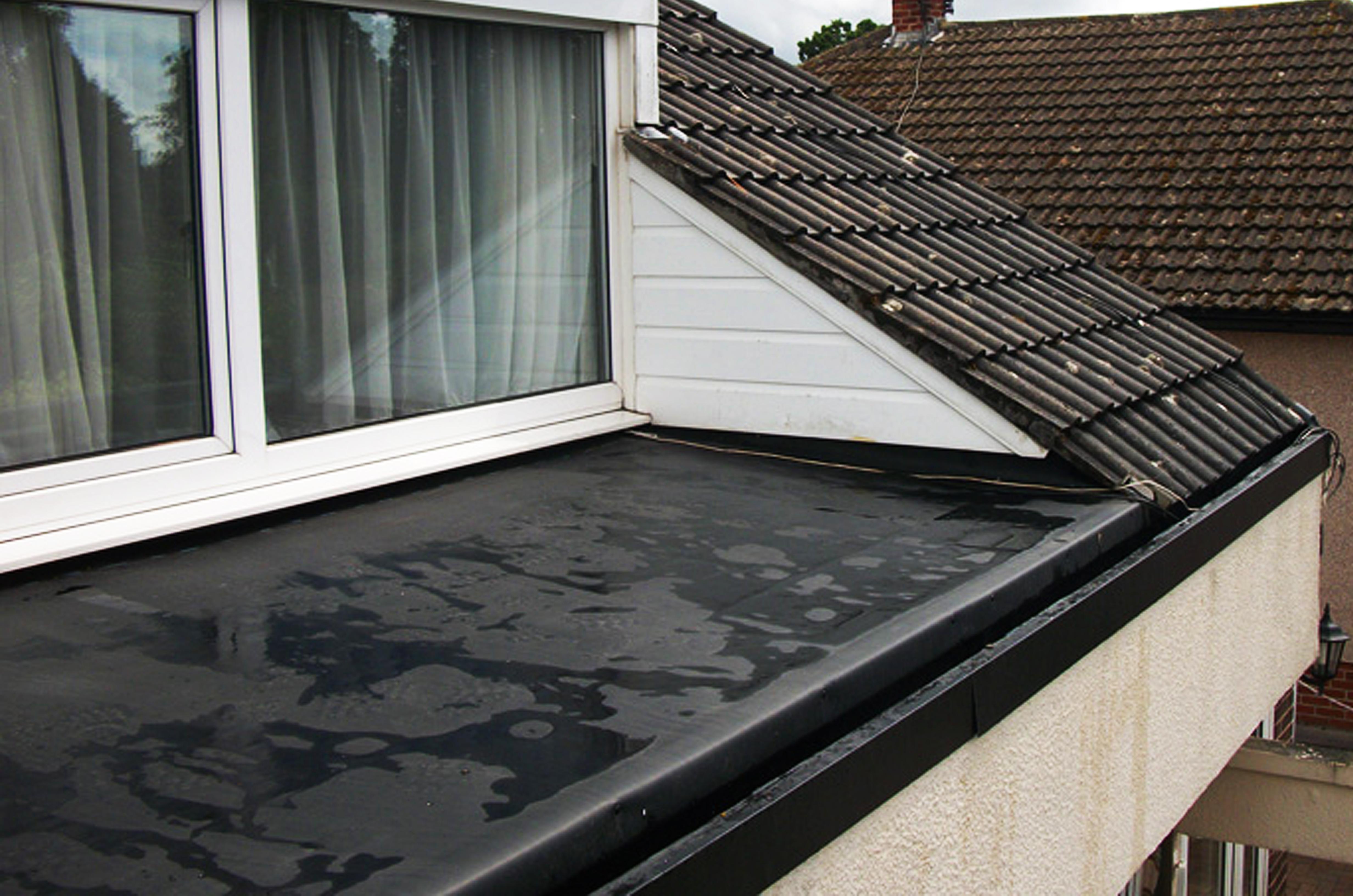 Výklenom pri okne s hydroizolácou EPDM